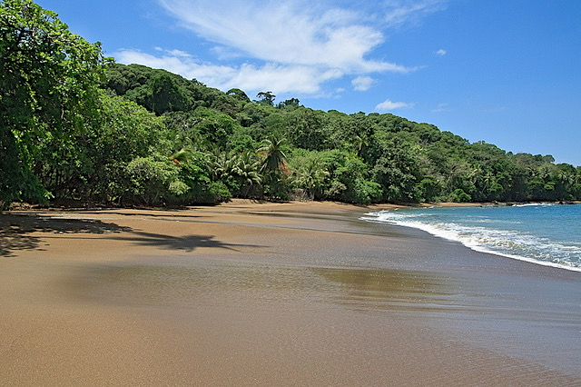 costa-rica-beaches-drake-bay-flickr-cc-anne-dot-71